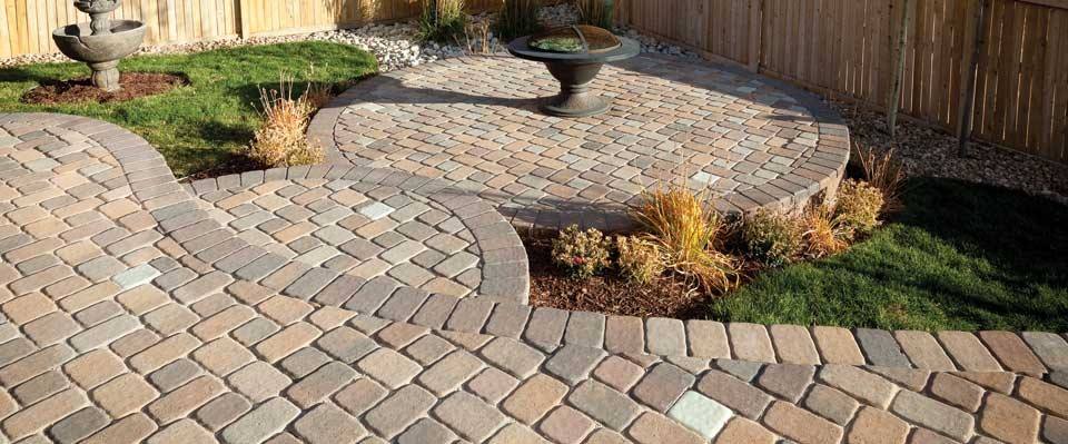pavestone-patio-rumblestone